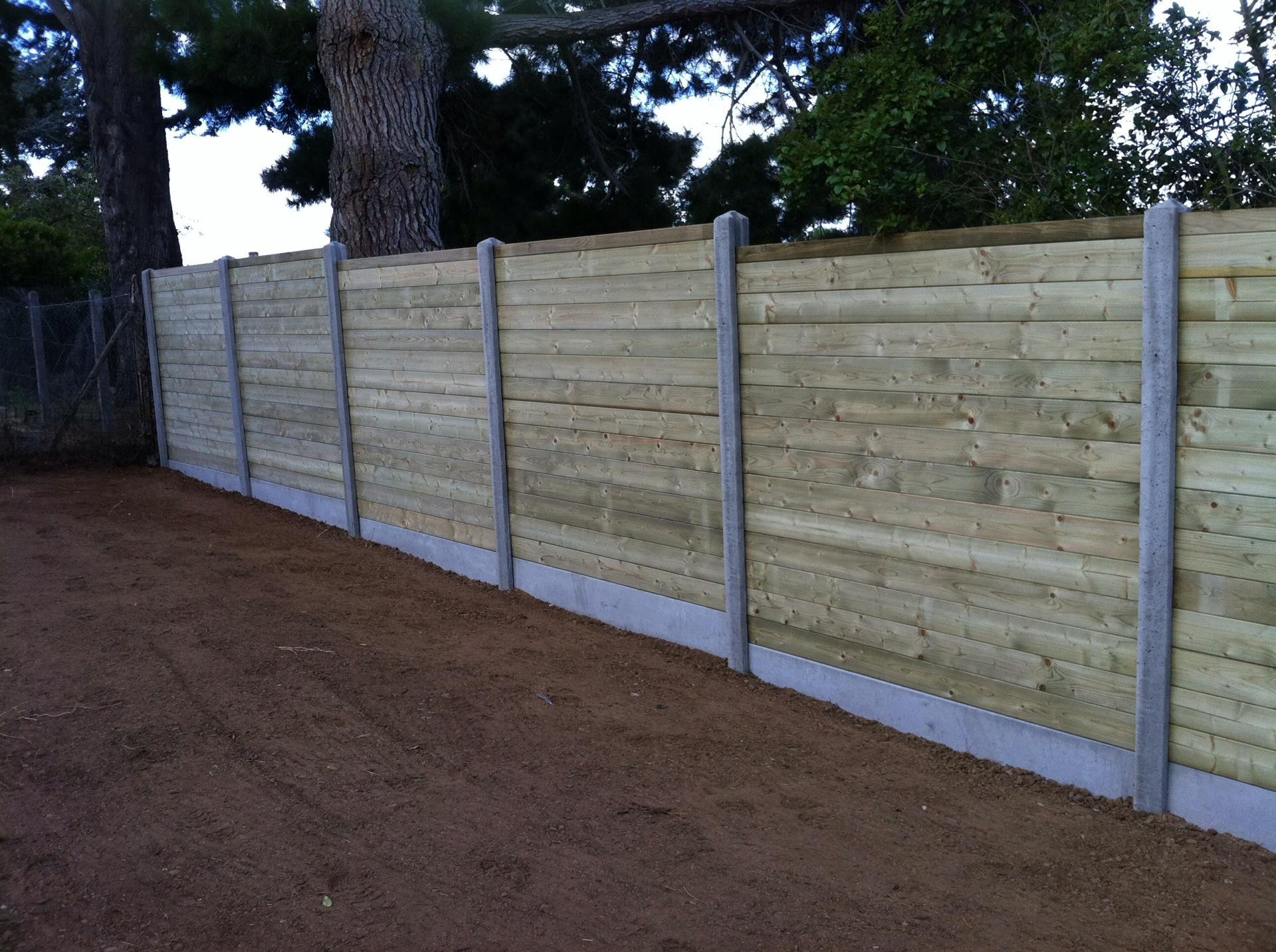 Cloture bois sur poteau b ton bois am nagement r novation - Cloture jardin en beton orleans ...